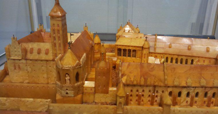 久慈琥珀博物館「マルボルク城の琥珀模型」ほか(岩手県久慈市・2014年3月)