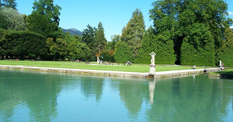 ヘルブルン宮殿「水の庭園」内のミニチュア演奏(オーストリア・ザルツブルク・2016年8月)